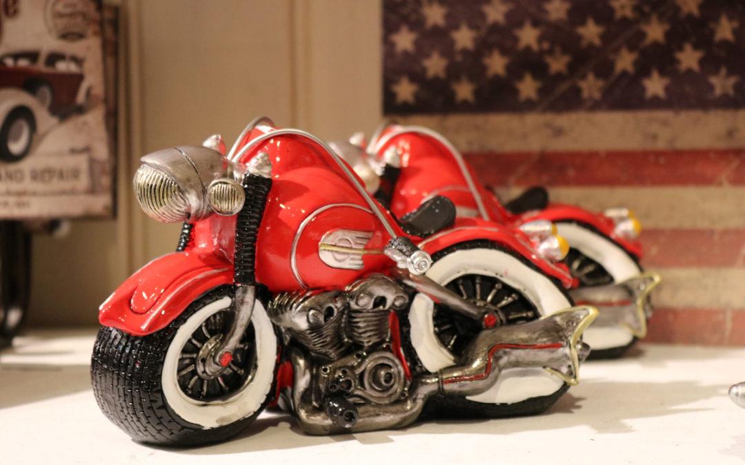 Kul motorsykkel-sparebøsse